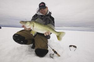 Ловля судака в январе