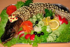 Как красиво украсить фаршированную рыбу