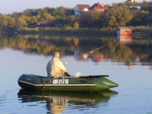 Ловля с лодки осенью ловля рыбы