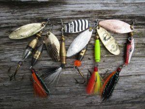 Вертушки для форели на озере