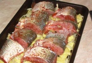 Как вкусно приготовить в духовке рыбу белый амур