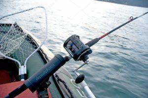 Как ловить троллингом с лодки с мотором