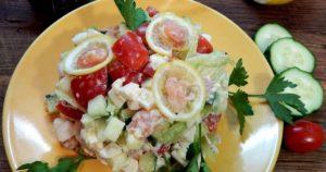 Салат коктейль с красной рыбой с фото