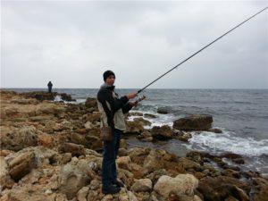 Морская рыбалка в севастополе с берега